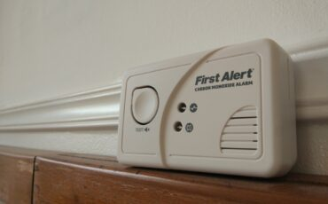 what causes carbon monoxide poisoning